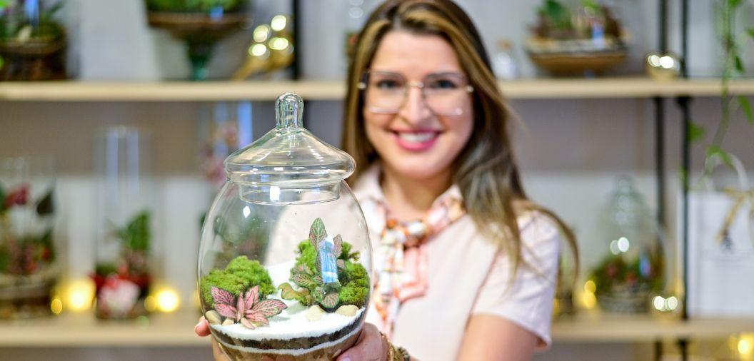 Engenheira ambiental transforma hobby em negócio e vende terrários pelo Instagram (Crédito: Rogério Florentino Pereira/ OD)