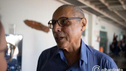 Júlio Campos registra BO para denunciar golpista que usa sua foto para pedir dinheiro no WhatsApp