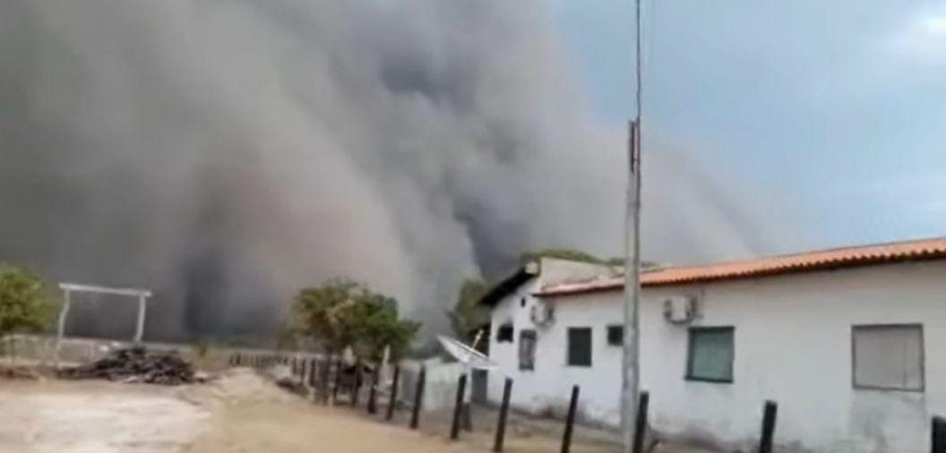 Tempestade de areia assusta moradores na divisa de MT com Bolívia; veja vídeos