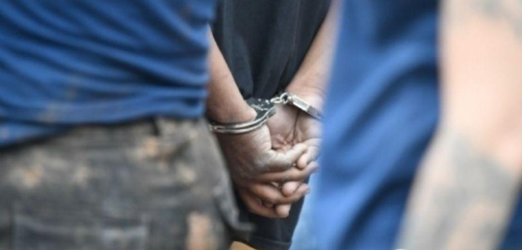 Homem de 43 anos é preso após se masturbar na frente de três crianças