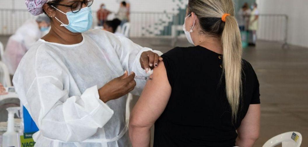 Busca por vacinas para pessoas com comorbidades segue abaixo do esperado