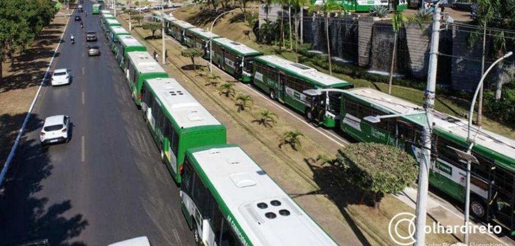 Sinfra culpa prefeitura e aponta má qualidade do asfalto e piso alto de ônibus como fatores para incômodos no transporte coletivo