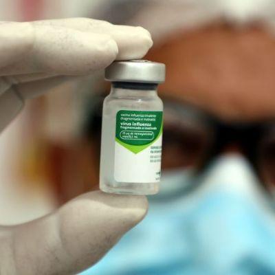 Professores de Cuiabá começam a ser vacinados nesta segunda-feira