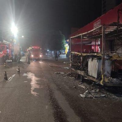 Incêndio em food truck teria sido causado por combustão na mangueira de botijão