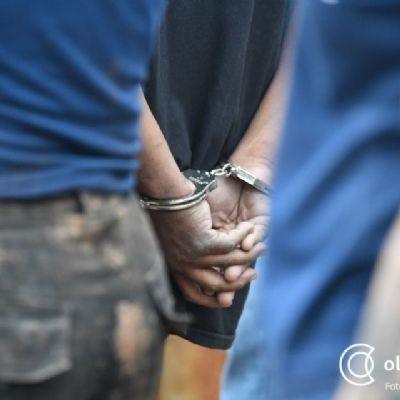Trio que fez família refém em mata durante toda a noite para roubar caminhonete e outros pertences é preso