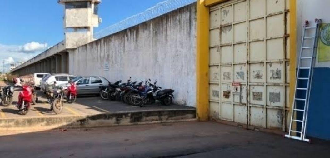 Defensoria Pública pede ao Governo que vacinados voltem a visitar parentes presos em MT