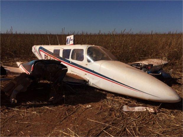 Avião faz pouso forçado em meio a milharal em Mato Grosso;  fotos