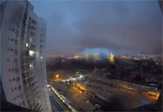 Vídeo mostra chegada de chuva e ventania que derrubou temperatura em Cuiabá