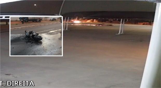 Vídeo flagra acidente durante racha que terminou com morte de motociclista