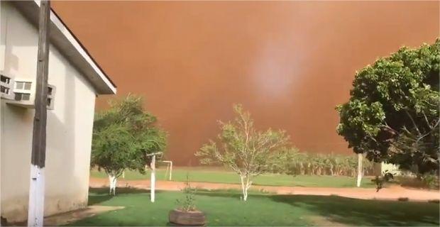 Tempestade de areia assusta moradores e escurece céu em Mato Grosso;  veja vídeo