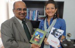 Embaixador da Índia com Enildes em Brasília