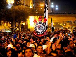 Parabéns, Corinthians! Time do povo completa 100 anos, 130 mil celebram
