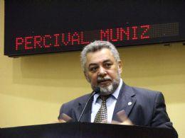AL é 'mero' órgão auxiliar do governo, critica Muniz