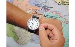 População deve ficar atenta e atrasar o relógio em uma hora