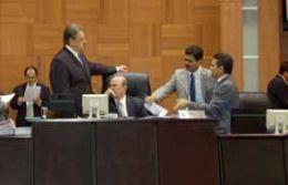 Deputados estaduais criticam atuação de federais de MT
