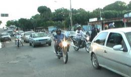 Detran promove blitz e ignora cruzamento sem semáforo há quatro meses