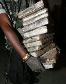 Policial Civil é preso em flagrante por extorsão e com 14 kg de maconha <font color=orange>(Atualizada)</font>