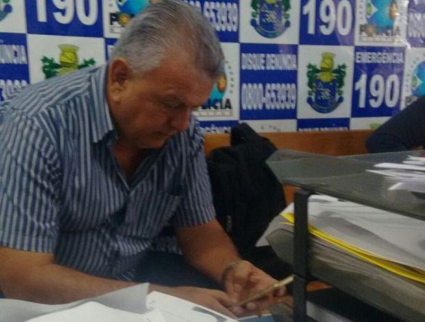 Empresário é preso acusado de tentar comprar vereadores a favor de prefeita