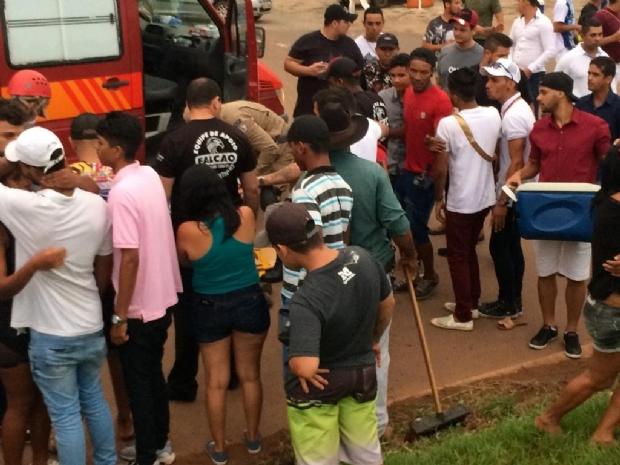 Vídeo  mostra atropelamento de seis pessoas após briga generalizada em avenida
