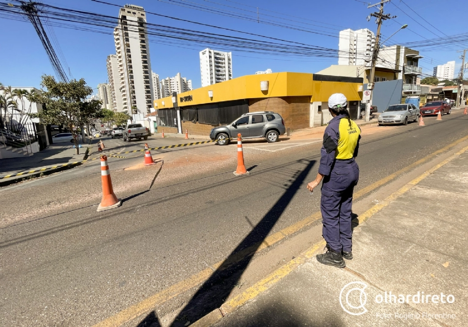 Mudanças no trânsito da Estevão de Mendonça e Filinto Muller devem perdurar até segunda-feira;  fotos e vídeo