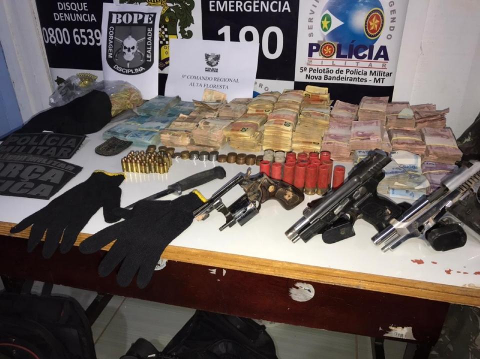 Sesp confirma morte de quatro assaltantes de banco em ação do Bope; R$ 167 mil recuperados