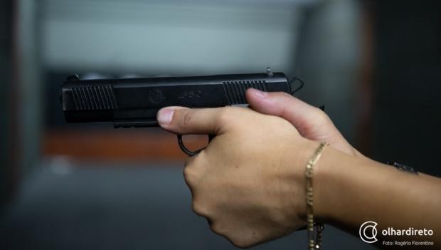 Casal é alvejado com disparos de arma de fogo em Parque de Exposições