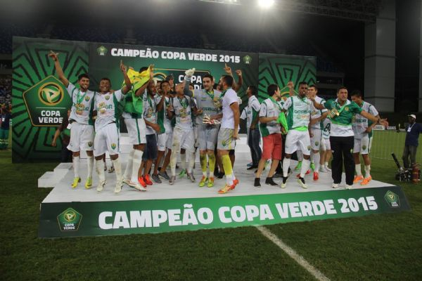 Com show de Raphael Luz, Cuiabá consegue 'milagre' e é Campeão da Copa Verde de 2015;  fotos e vídeos