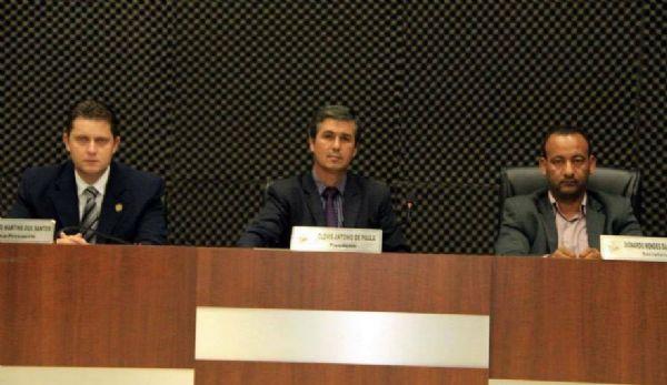 Leandro (esquerda), Clóvis (meio) e Dionardo (direita) sofreram apenas escoriações