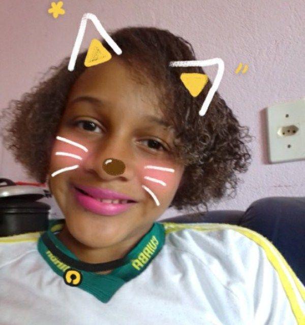 Ana Luiza não quer mais ir à escola