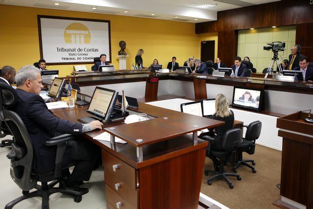 TCE emite parecer favorável às contas de Taques com 11 irregularidades e faz recomendações