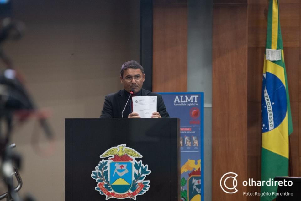 João Batista questiona estado sobre pagamento da RGA e cobra chamamento de aprovados em concurso