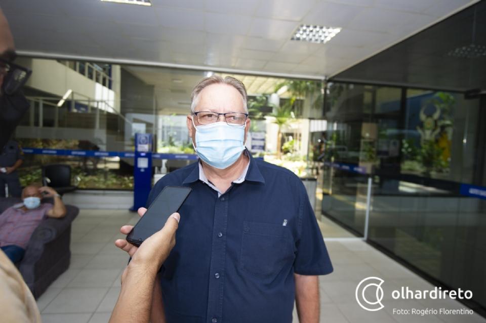 Gilberto diz que 45 mil doses da Janssen serão distribuídas para todo Estado caso não venham 'carimbadas' para Cuiabá