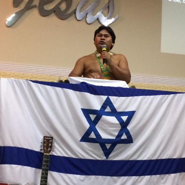 Xavante que traduziu bíblia para o seu idioma defende purificação da cultura indígena