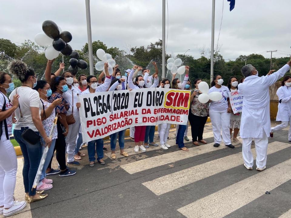 Enfermeiros fazem manifestação na AL por apoio a projeto de lei que estabelece piso salarial