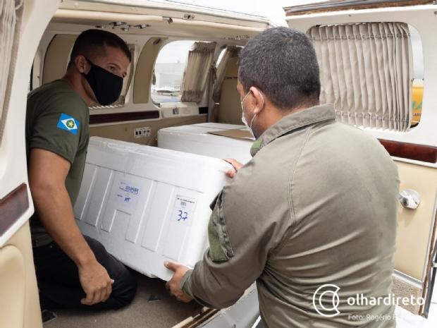 Governo inicia distribuição de vacinas aos municípios; Cuiabá e VG recebem 8.690