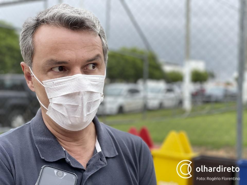 """Oscarlino diz que Gisela é """"um fenômeno de votos que está derretendo no asfalto de Cuiabá"""""""