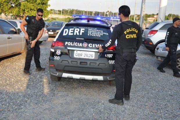 Polícia prende três estelionatários que realizaram golpe em família de idoso internado em hospital