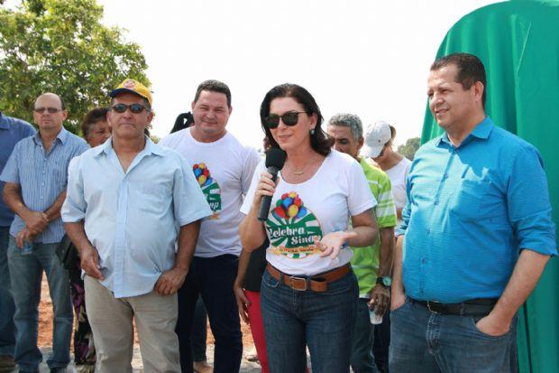 Prefeitura de Sinop entrega mais três obras de asfalto em três bairros