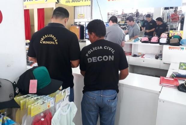 Polícia Civil apreende 400 produtos falsificados em loja do centro de Cuiabá