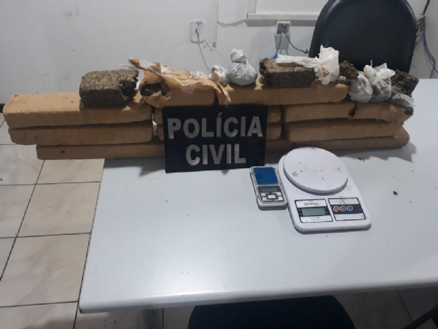Traficante é preso após polícia descobrir estoque de entorpecente enterrado em região de mata