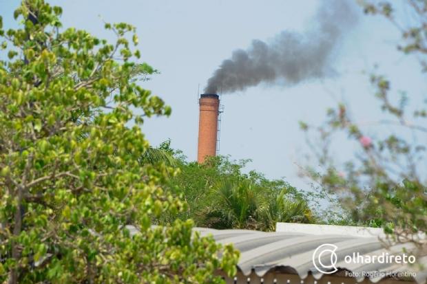 Moradores reclamam de fumaça e odor de fábrica de bebidas e relatam mal-estar em Cuiabá; fotos