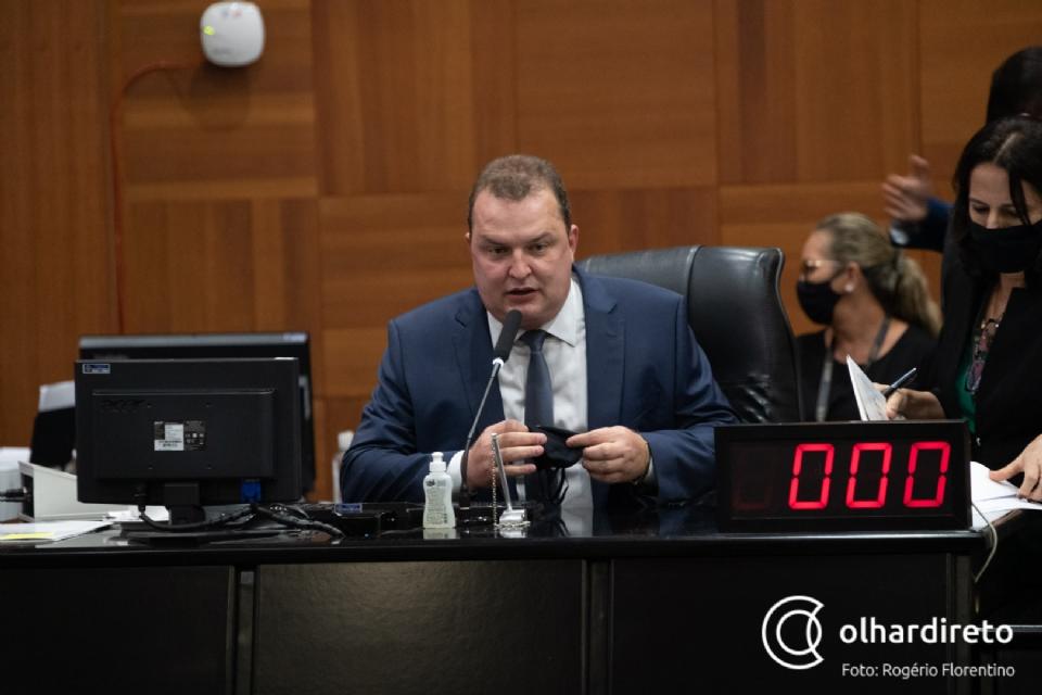 """Max Russi nega rompimento com Botelho: """"sou um deputado de conciliação"""""""