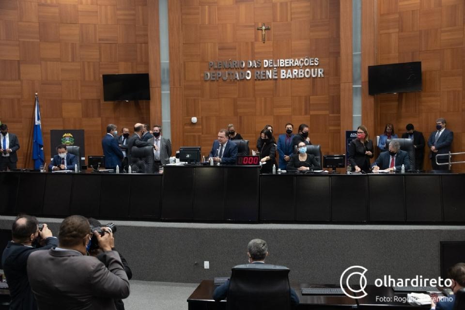 Deputados vetam possibilidade de presidente e 1º secretário serem reconduzidos à Mesa Diretora