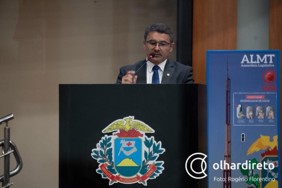 João Batista confirma saída do PROS: