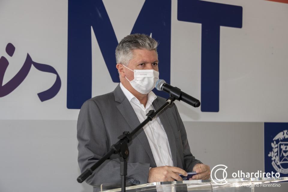 """""""O risco é dele"""", afirma Bustamante sobre servidor que se recusa a tomar vacina contra a Covid"""