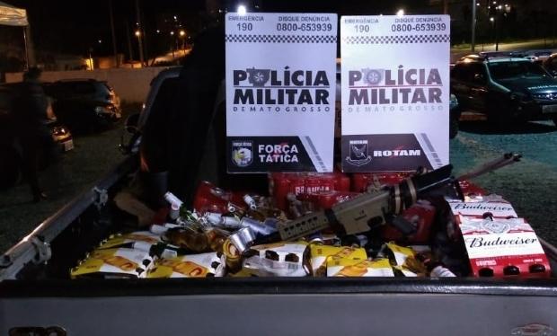 Polícia prende suspeitos de roubo a caminhão de bebidas com simulacro de fuzil; veja fotos