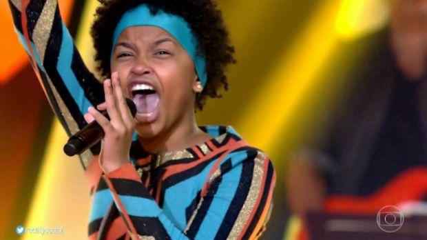 Mato-grossense escolhida no The Voice Kids sofre ataques racistas na internet e presta queixa