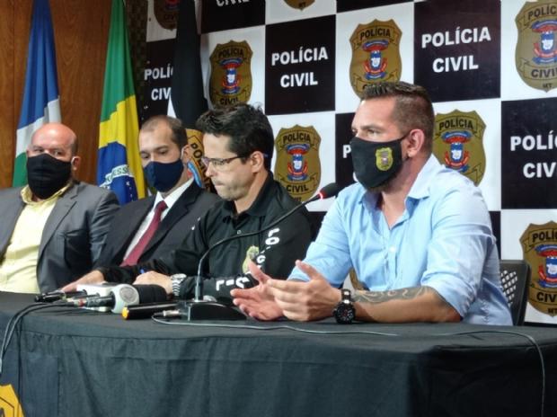 Delegado Guilherme Bertoli (azul) titular da Derf Cuiabá
