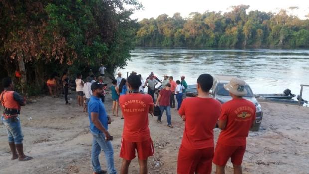 Corpo de jovem que caiu em rio sem saber nadar é encontrado após 40 horas