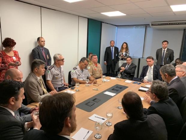 Deputado eleito por MT e Bolsonaro discutem novo modelo de Segurança Pública